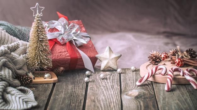 Stilleven kerst feestelijke tafel thuis