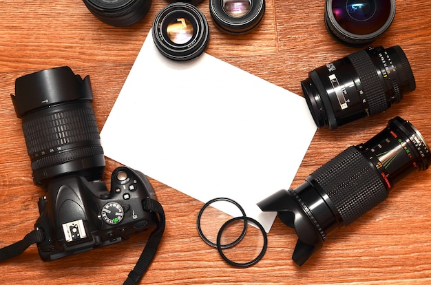 Stilleven met digitale fotocamera-set