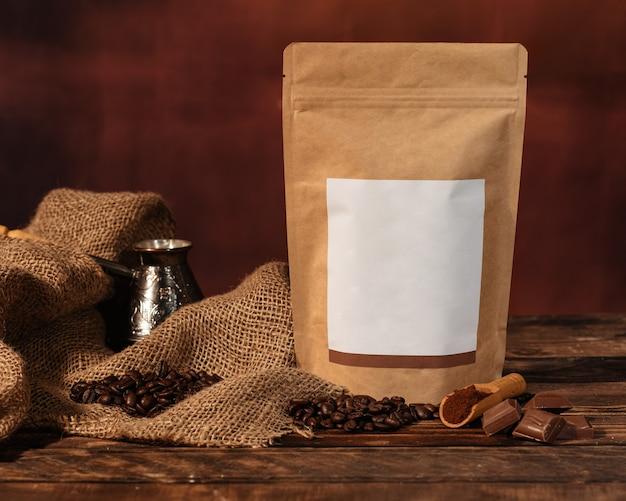 Stilleven met hart, muffin en koffie