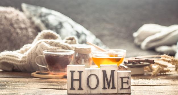 Stilleven thuiscomfort met een kopje thee