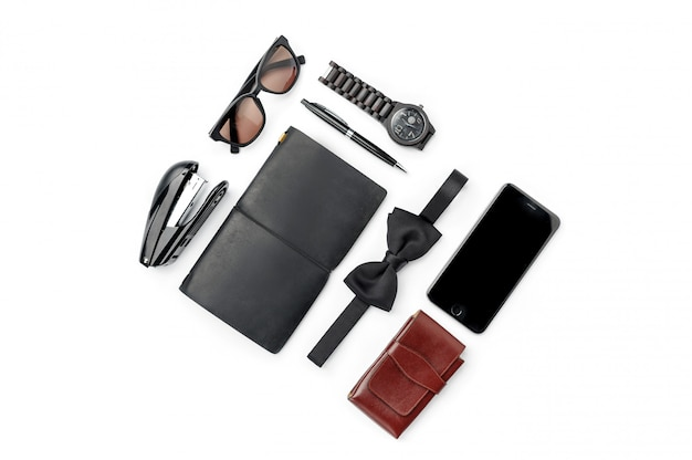 Stilleven van casual man. moderne mannelijke accessoires op wit