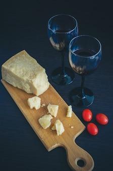Stilleven van twee wijnglazen