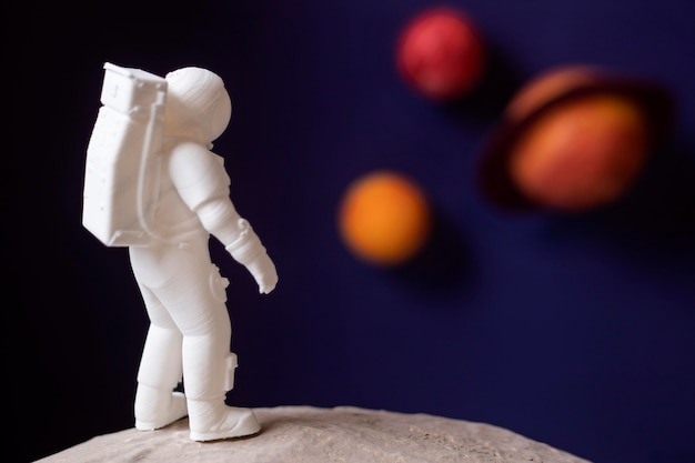 Stillevenruimtecompositie met astronaut