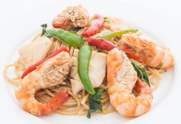 Stir fried spicy spaghetti met zeevruchten