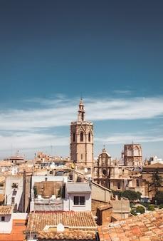 Stock foto van een prachtig uitzicht op torre del micalet in valencia