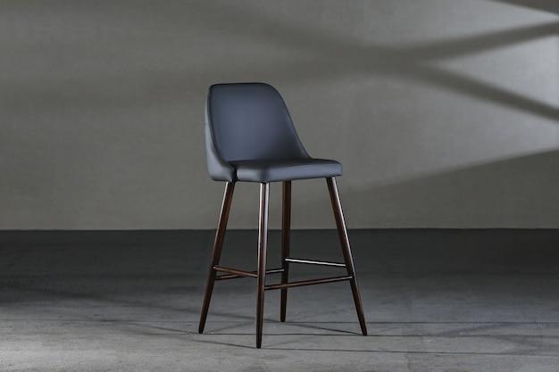 Stoel zonder armleuningen met een holle rugleuning, meubels in loftstijl