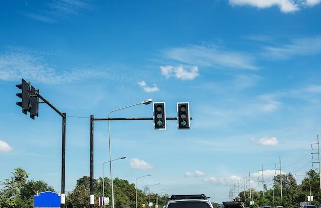 Stop met wachten op rode lichten in het verkeer