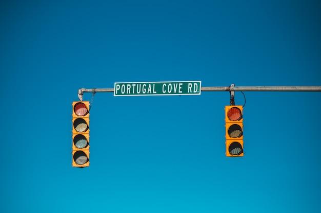 Stoplicht met stopbord