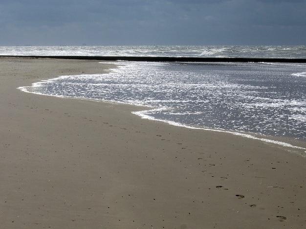 Storm borkum northsea vooruit noorden deining op zee