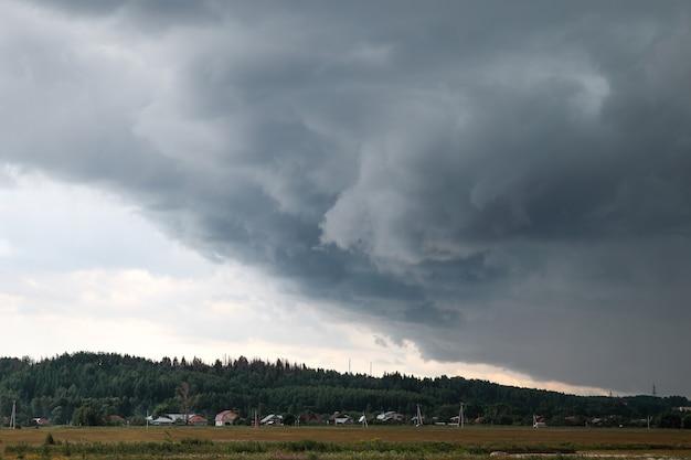 Storm komt naar de stad