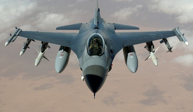 Straaljager valk vliegtuig