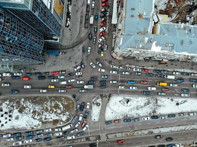 Straat van de grote stad vanuit vogelperspectief