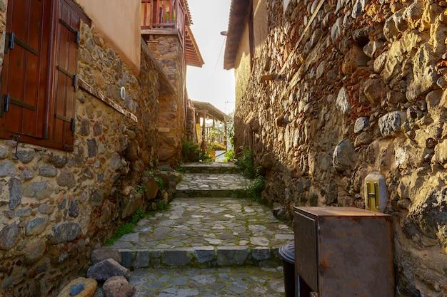 Straatscène in een oude stad in europa