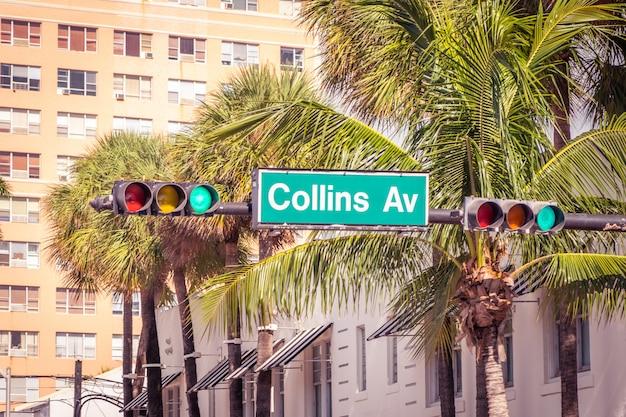 Straatteken van beroemde collins avenue, miami, florida, de vs
