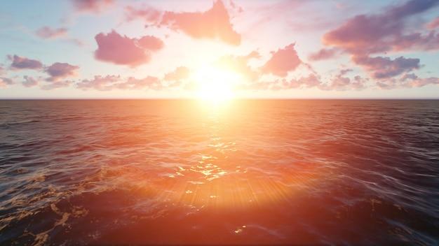 Strand bij zonsondergang met wolken
