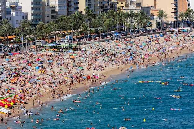 Strand in lloret de mar in spanje