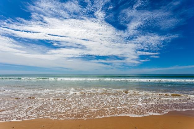 Strand van torregorda, cádiz, spanje