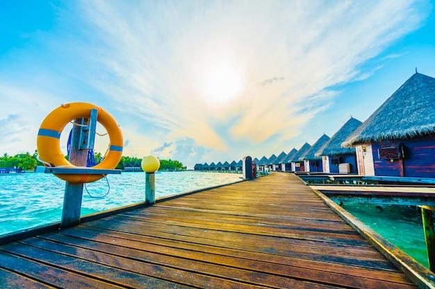 Strand wit landschap beveiliging oranje