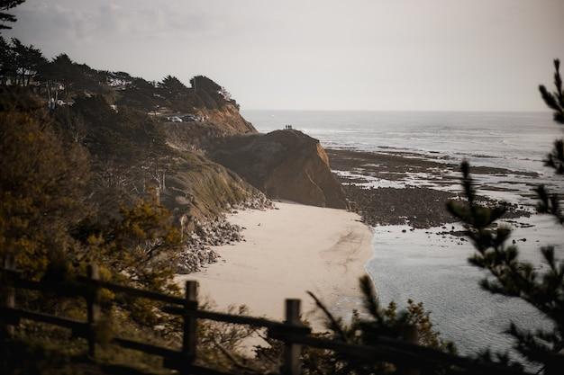 Strandkust overdag