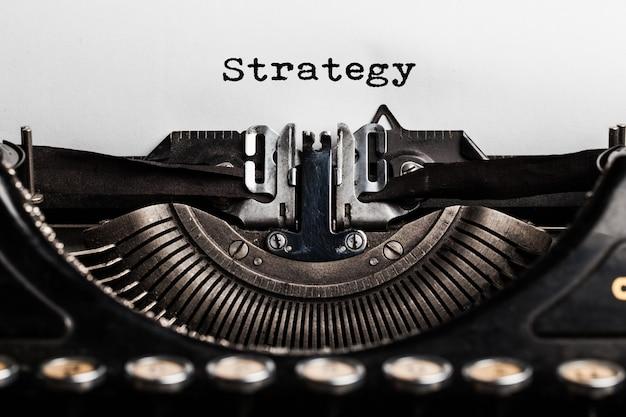 Strategie geschreven door een typemachine