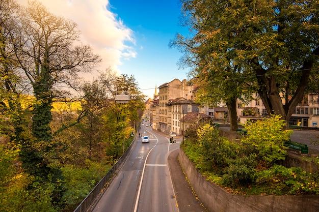 Straten in de oude middeleeuwse stad van bern, zwitserland.