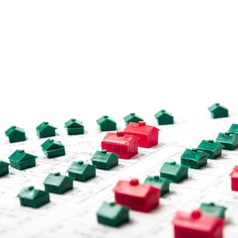 Straten met speelgoedmodel huizen hoog uitzicht