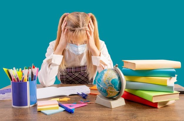 Stress en hoofdpijn van middelbare scholieren.