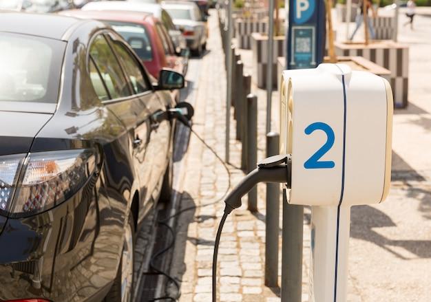 Stroomvoorziening voor het opladen van elektrische auto's
