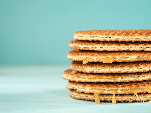 Stroopwafels of karamel nederlandse wafels