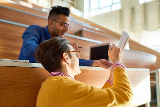 Studenten helpen elkaar