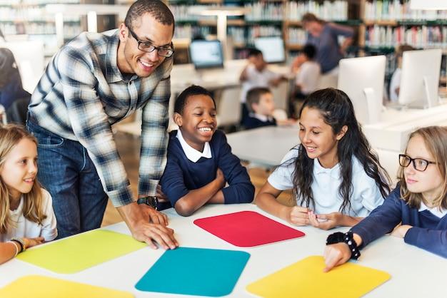 Studie studeren leren leren klaslokaal concept