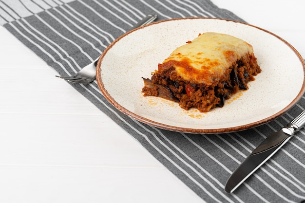 Stukje vers vlees lasagne met kaas