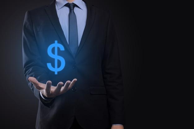 Succesvol internationaal financieel symboolinvesteringsconcept met zakenman