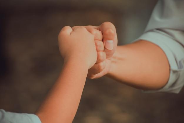 Succesvol teamwork met handen