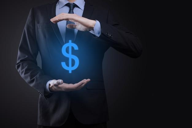 Succesvolle internationale financiële symbool sinvestment concept met zakenman man persoon houden groei tonen