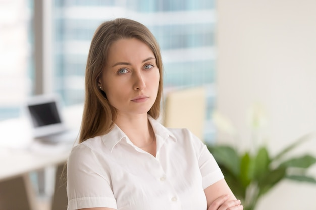 Succesvolle zakenvrouw klaar voor uitdagingen