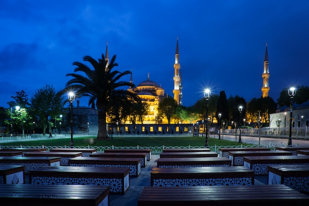 Sultan ahmed-moskee of blauwe moskee in de nacht