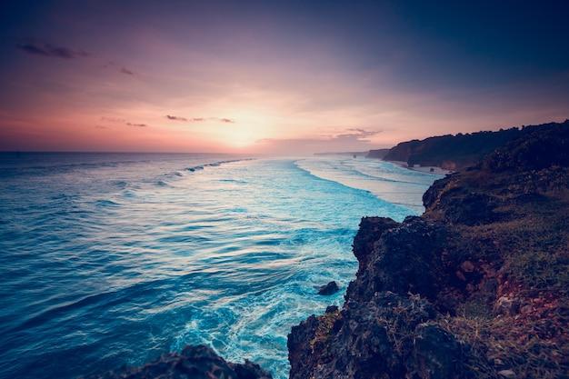 Sumba eiland indonesië prachtige zonsondergang kustlijn landelijk aziatisch land natuur kust schilderachtig toerisme