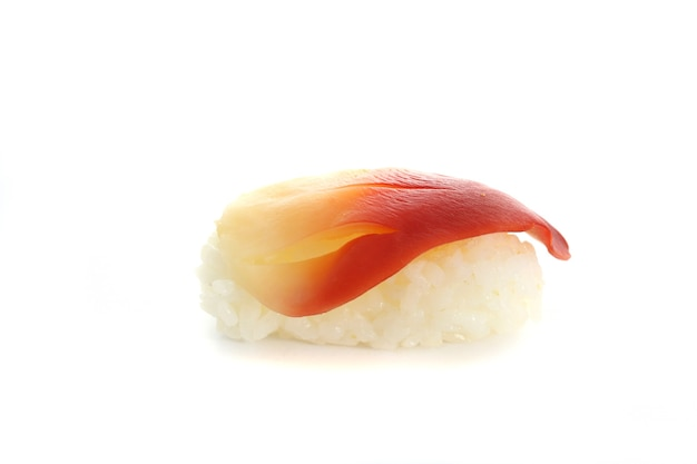 Surf clam sushi geïsoleerd in wit