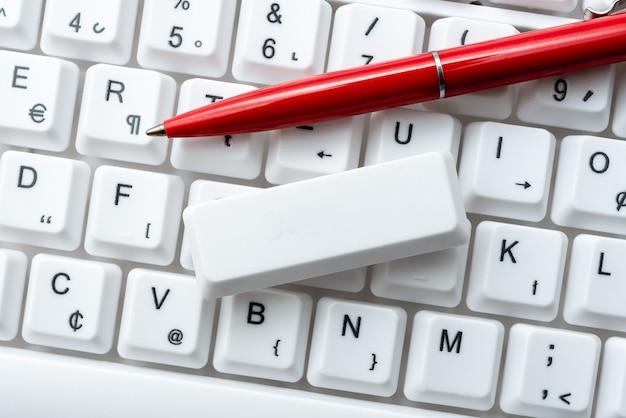 Surfen op internet online surfen, typen van woorden, modern schrijfapparaat, creaties van webcontent, ontwerpen van geautomatiseerde werkruimten, toetsenbord voor elektronische werkverzamelingen