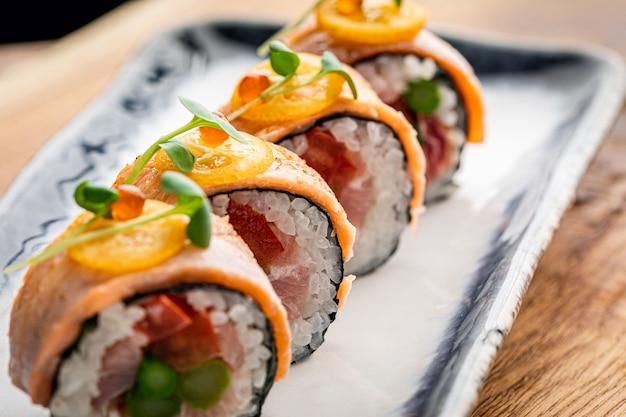Sushi met sesamzaadjes, close-up