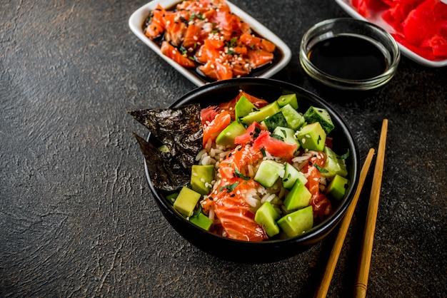 Sushi poke kom