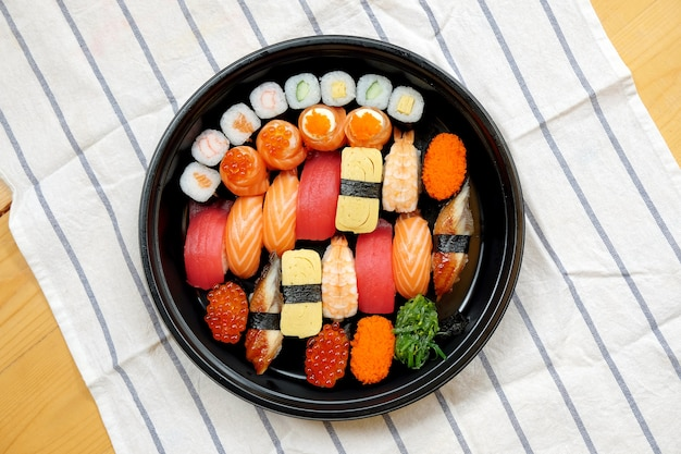 Sushi sashimi-set
