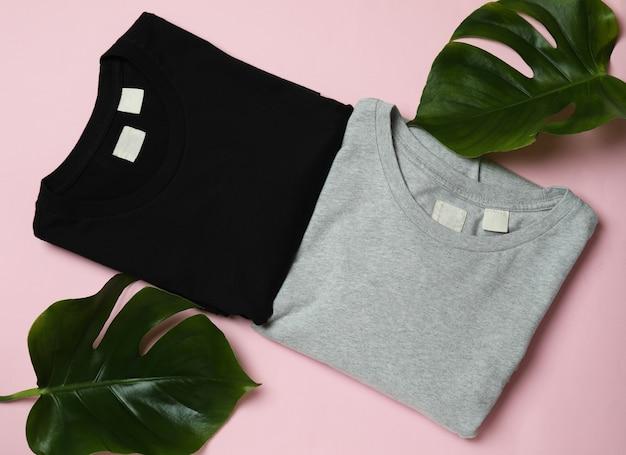 Sweatshirts en palmbladeren op roze