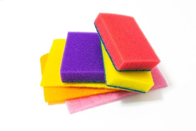 Synthetische sponzen voor het schoonmaken van het huis en de afwas