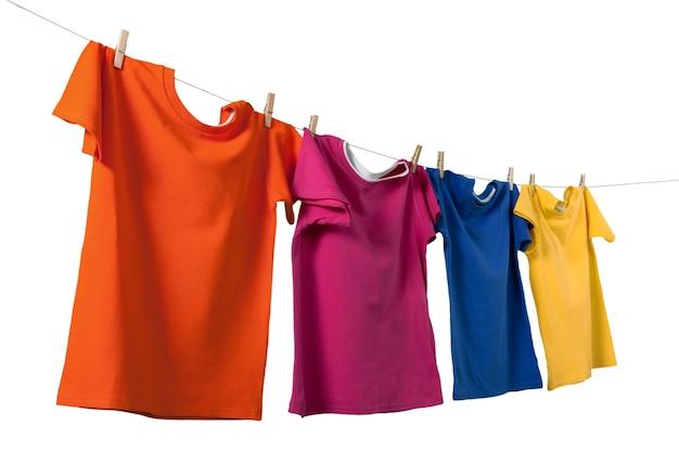 T-shirt kleding shirts opknoping wasgoed geïsoleerd schoon