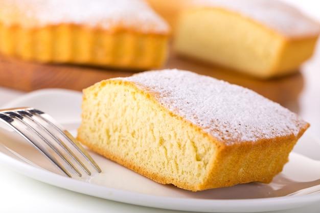 Taart citroen zachte boter engel geïsoleerde decoratie