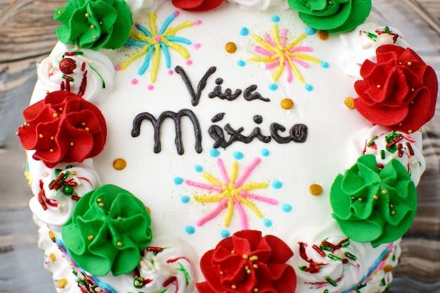 Taart om onafhankelijkheidsdag in mexico te vieren