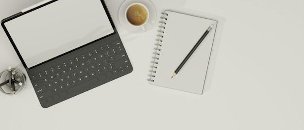 Tablet met toetsenbord notitieboek potloden en koffie op witte achtergrond kopie ruimte in bovenaanzicht