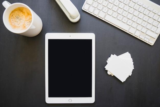 Tablet op het bureau